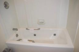 Whirlpool Hot Bath Tub