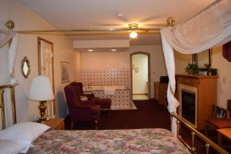 King Suite Jacuzzi with Fireplace