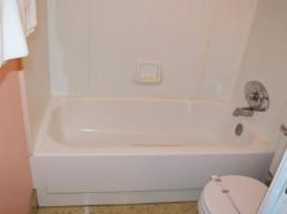 Standard Queen Double Room Tub